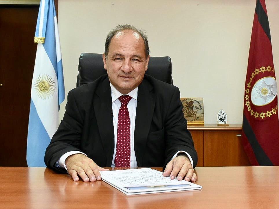 Photo of Yo me quiero casar y usted? Ministro Villada.