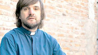 Photo of El » Cura Villero » Pepe Di Paola respaldó la decisión de acompañar a los jóvenes con adicciones.