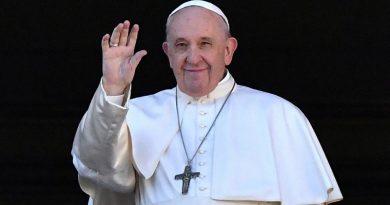 El Papa desistió de celebrar misa en San Pedro el domingo, por estado convaleciente tras cirugía