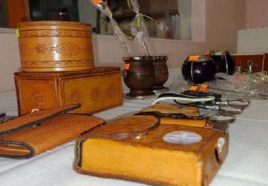Exposición de productos confeccionados en diferentes unidades carcelarias